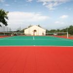 Vernieuwen tennisveld, Frankrijk
